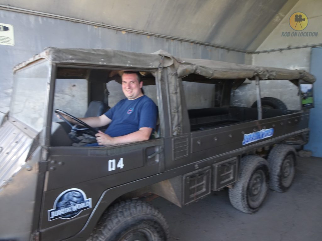 Jurassic World jeep
