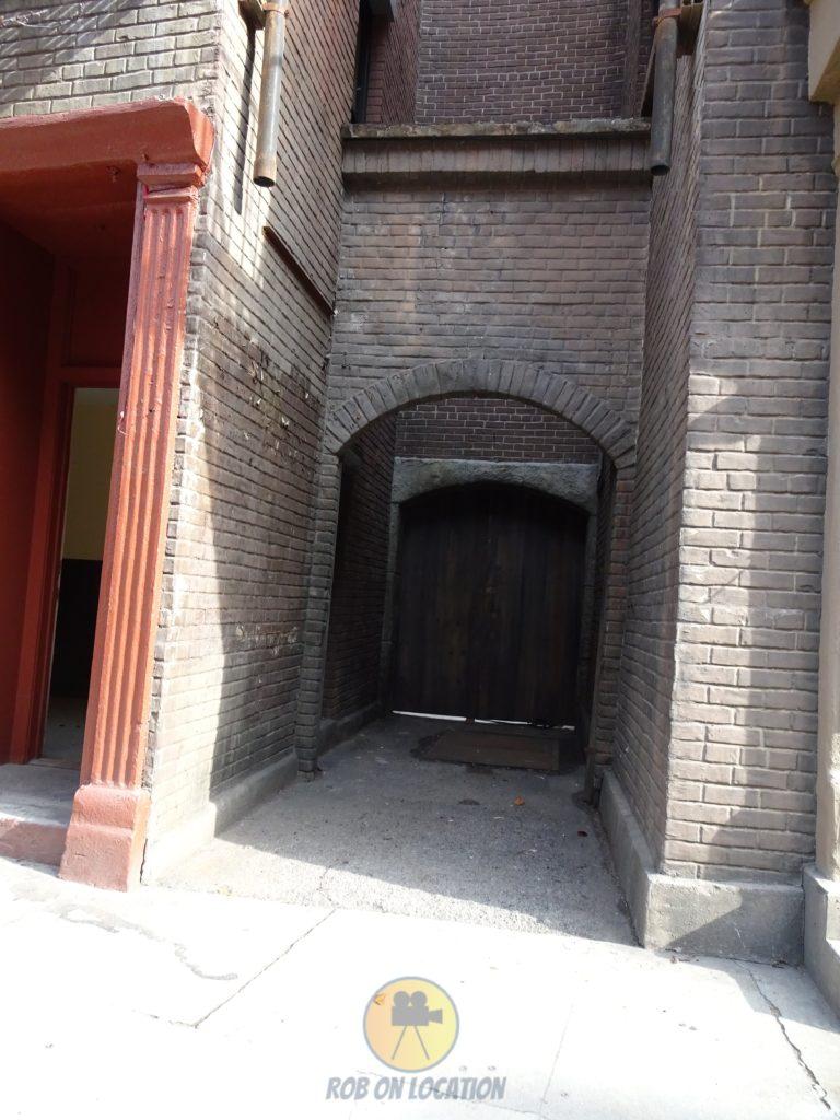 the Friends alleyway
